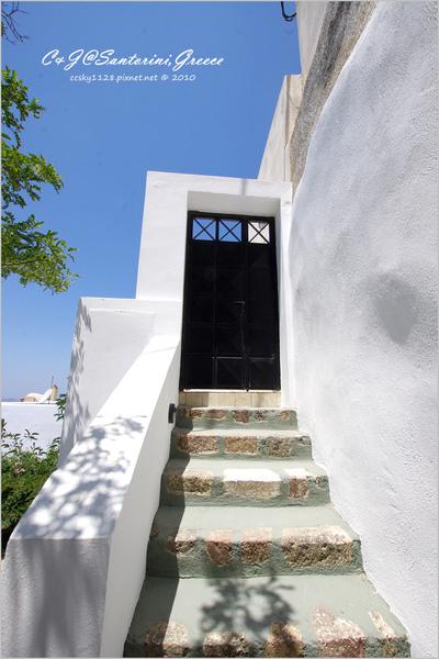 2010-Greece-Santorini-Megalochori 藍頂教堂-031.jpg