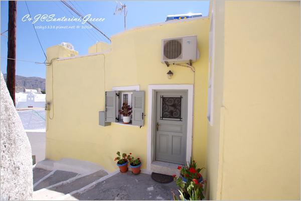 2010-Greece-Santorini-Megalochori 藍頂教堂-058.jpg