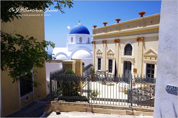 2010-Greece-Santorini-Megalochori 藍頂教堂-043.jpg