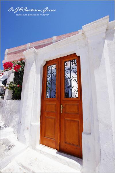 2010-Greece-Santorini-Megalochori 藍頂教堂-015.jpg