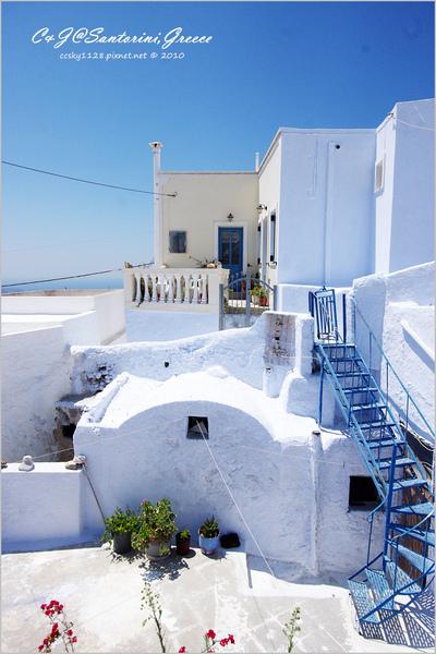 2010-Greece-Santorini-Megalochori 藍頂教堂-056.jpg