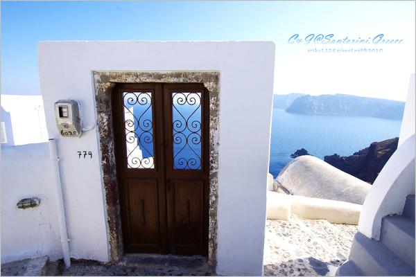 2010-Greece-Santorini-Oia-003.jpg