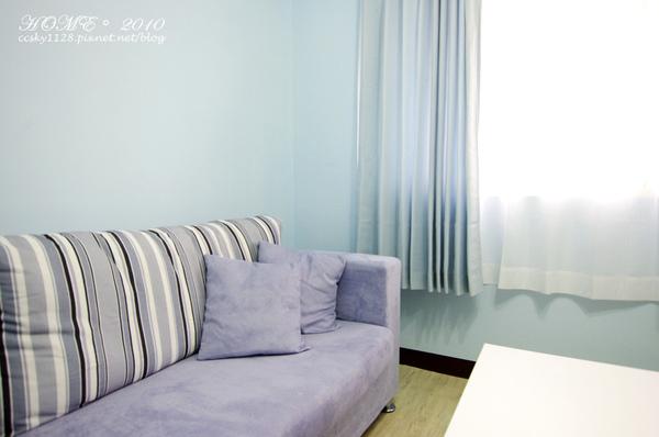Living room-furnished-06.jpg