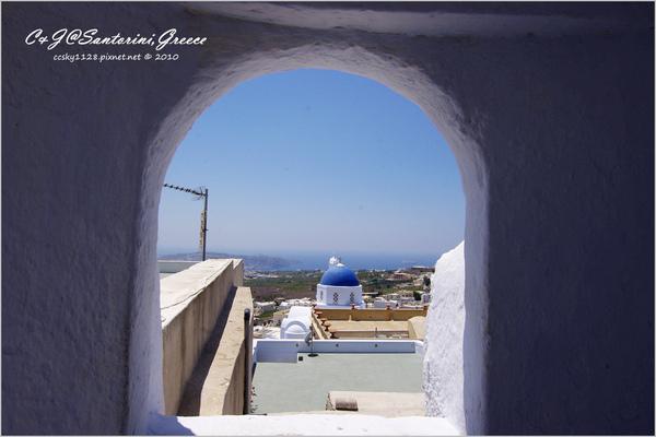 2010-Greece-Santorini-Megalochori 藍頂教堂-041.jpg