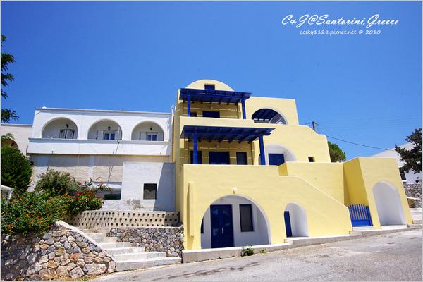 2010-Greece-Santorini-Megalochori 藍頂教堂-002.jpg
