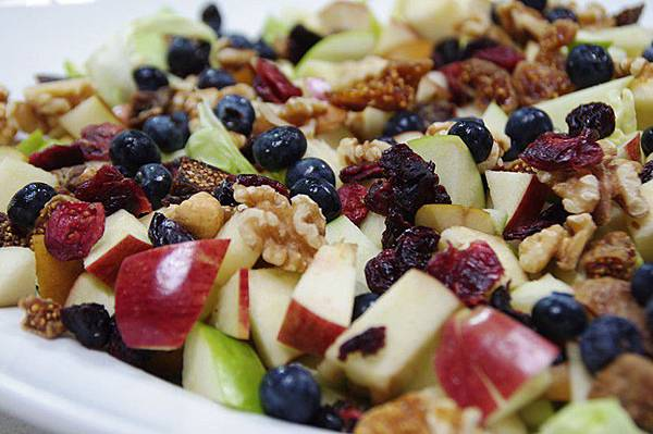 Dried-Fruit-Nut-Salad-828x550.jpg