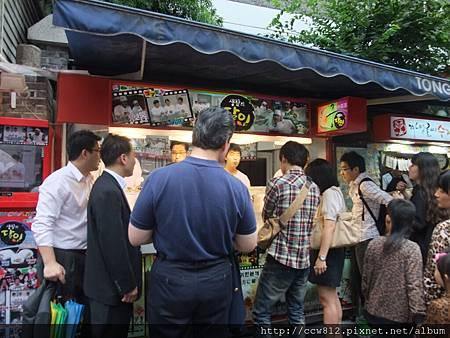 到處都有的龍鬚糖店,不知道為什麼韓國人很愛吃,口味很多