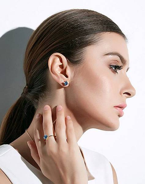cde飾品-金色水晶耳環.jpg