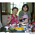姑婆家慶生_還想吃蛋糕_橫加框_20110703.jpg