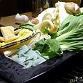 春日壽喜燒_菜盤_20110708.jpg