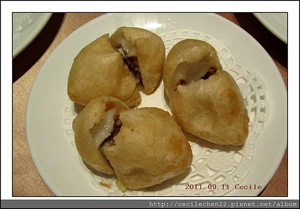 吉品海鮮_鹹水餃_20110911.jpg