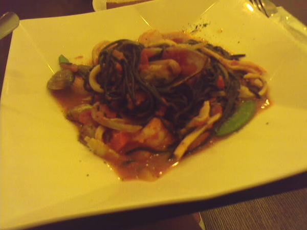茄汁墨魚麵