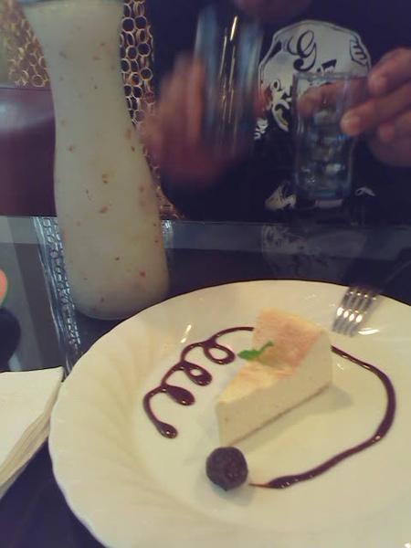 套餐才有 店家自製起士蛋糕 -不是濃郁起士 但是也還不錯^^