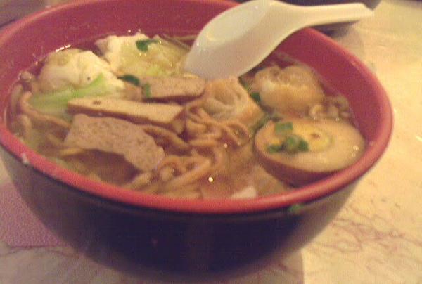 (台南) 小豆豆 -- 料多味美的鍋燒意麵
