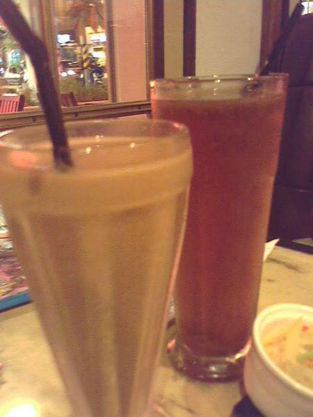 鴛鴦奶茶 + 酸梅湯