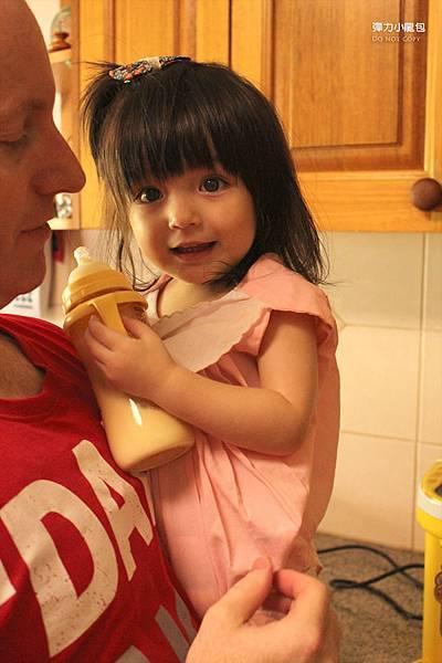 奶瓶是寶物_20140118 copy