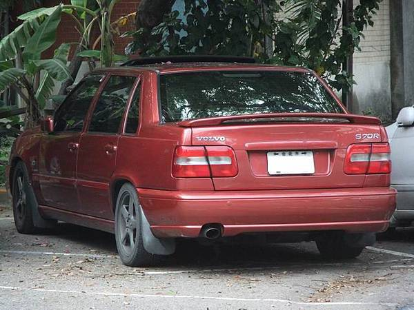 Resize of VOLVO S70R (2)