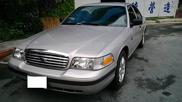 FORD CROWN VICTORIA (1)