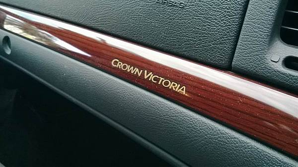 FORD CROWN VICTORIA (34)