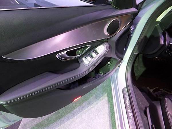 Mercedes-Benz W205 C-Class (14)
