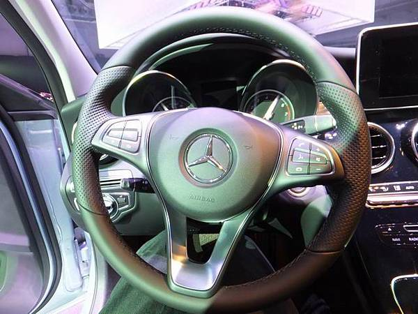 Mercedes-Benz W205 C-Class (18)
