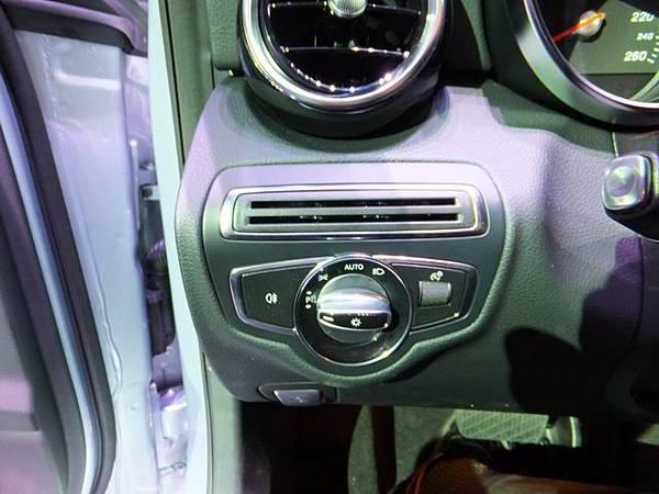Mercedes-Benz W205 C-Class (20)
