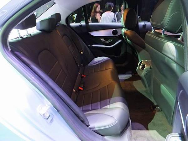 Mercedes-Benz W205 C-Class (33)