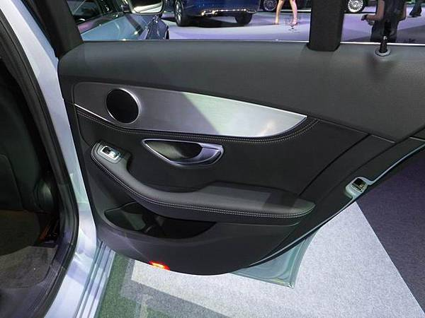 Mercedes-Benz W205 C-Class (34)
