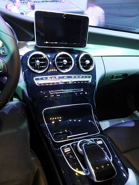 Mercedes-Benz W205 C-Class (22)