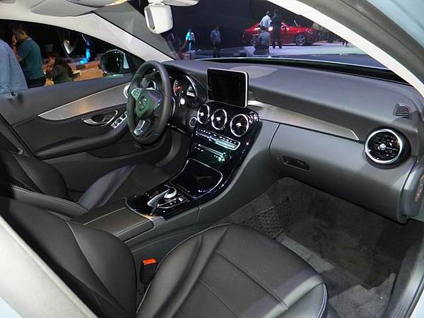 Mercedes-Benz W205 C-Class (31)