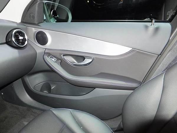 Mercedes-Benz W205 C-Class (30)