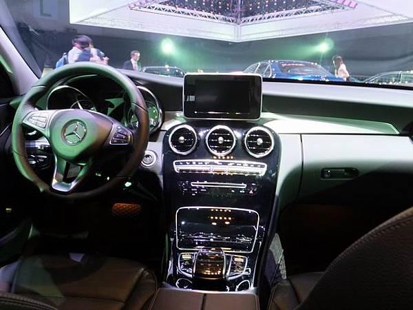 Mercedes-Benz W205 C-Class (35)