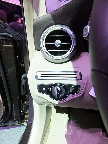 Mercedes-Benz W205 C-Class (74)