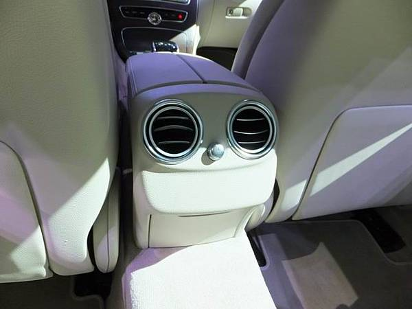 Mercedes-Benz W205 C-Class (79)