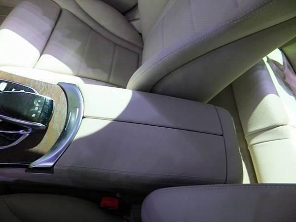 Mercedes-Benz W205 C-Class (77)