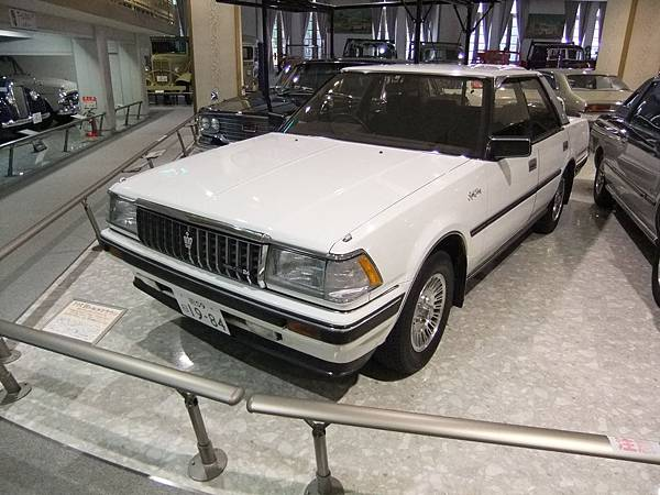 TOYOTA CROWN MS120 HardTop RoyalSaloon (1)
