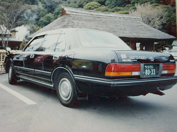 TOYOTA CROWN S130 Sedan SuperDeluxe 計程車 (2)