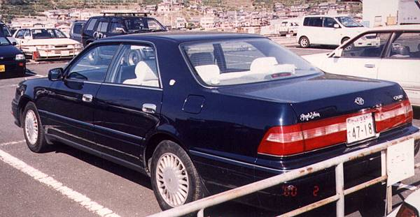 TOYOTA CROWN S150 RoyalSaloon (2)