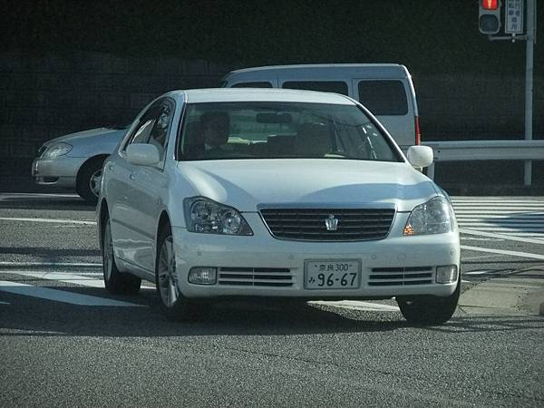 TOYOTA S180 CROWN (1)