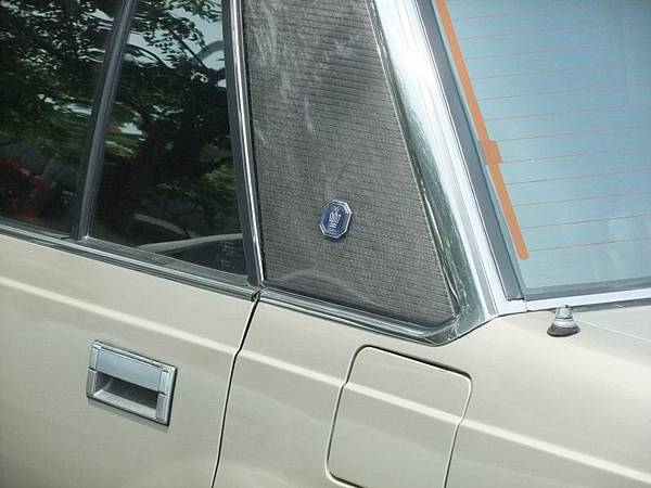 TOYOTA S120 CROWN Sedan RoyalSaloon (5)