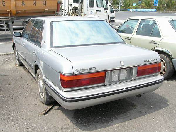 TOYOTA S130 CROWN 3.0 RoyalSaloon (3)