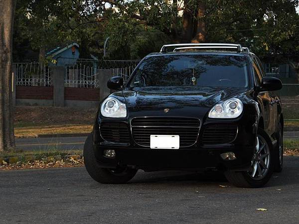PORSCHE Cayenne Turbo (1).JPG
