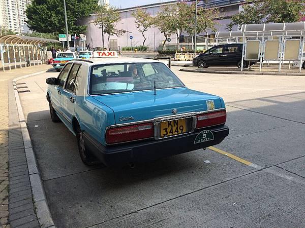 NISSAN CEDRIC Y31.7 Sedan 大嶼山計程車 by Hank (2)