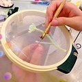 法式刺繡的魅力,精細工藝、值得一再琢磨! 同學對於構圖和配色的很有想法喔! #高級訂製刺繡縫珠課程 #法式刺繡 #反向刺繡