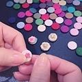 刺繡小耳環 直徑1.3公分的維多利亞花卉風 消暑又療癒的課程,即將開課~ #縫珠刺繡課程