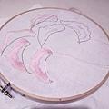 猜猜我們要做什麼呢❓ (雖然還是半成品,但已經看出學生精心認真,努力奮鬥的精神)👏👏 #縫珠刺繡課程