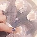 法式縫珠刺繡課程又來囉,這次Evon老師規劃的課程內容更精采,可以讓同學們在一堂課內,學到:法式反向刺繡,緞帶刺繡及縫珠技巧,歡迎報名哦! 請加臉書私訊 或+886930510899 LINE ID:evon0120(吳憶萌-Evon老師) 或+886930860678 LINE ID:0930860678 (Jason Wu老師) 更多資訊:官網www.silvery.com.tw 粉絲專頁:(請按讚哦~)https://www.facebook.com/evons0120/ 歡迎加入社團:https://www.facebook.com/groups/275887332544207/