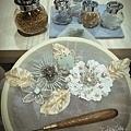 #法式刺繡縫珠課程~ 用亮片鉤織的花,最優雅的法式刺繡工藝(反向刺繡),想要訓練耐心和療癒心情嗎? 快來報名上課,妳(你)一定會愛上的!