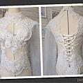 復古蕾絲罩衫已經完成囉,拍攝作品的模特兒又多了一件美裳囉~ 想要自己親手作拍攝作品的禮服或是為自己製作婚禮禮服嗎? 歡迎報名我們的婚紗禮服課程哦~