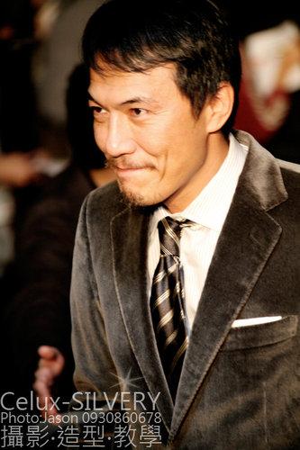 2009金馬獎最吸睛男女藝人-最佳導演-戴立忍-吳富勇攝.jpg